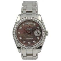 Rolex Men's Rolex Day Date Platinum & Diamonds 18946 MOP
