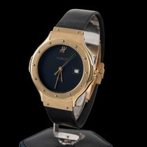 Hublot classic yellow gold medium size