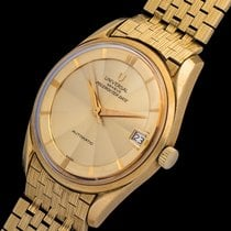 Universal Genève Polerouter 18k Yellow Gold
