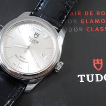Tudor Glamour Date-Day