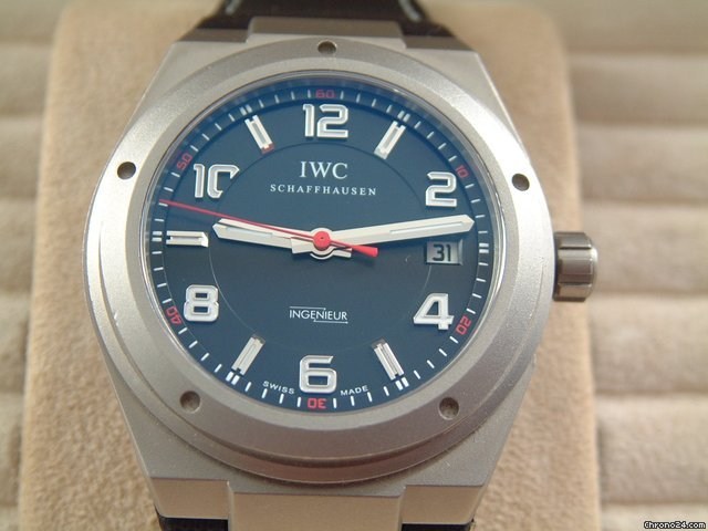 IWC INGENIEUR AMG TITAN MIT KAUTSCHUKBAND