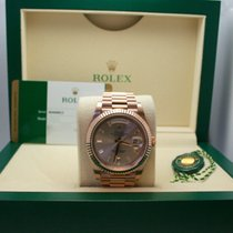 Rolex Day-Date 40 Everest Gold sundust dial dial, 10 baguette
