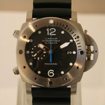 Panerai Luminor Submersible 1950 3 Days Chrono Flyback Titanio