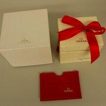 Omega Box mit Umkarton (rote Schleife)