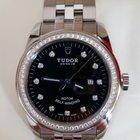 Tudor Glamour  53020
