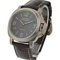 Panerai Pam 562 Luminor Base 8 Days