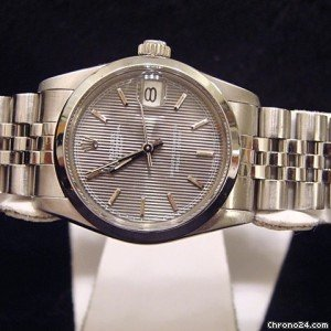 Rolex Datejust Ss Watch W/silver Tapestry Dial 68240
