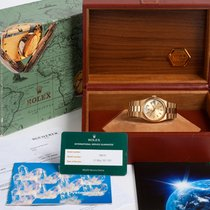 Rolex Day-Date Oysterquartz 19018 Box & two service papers...