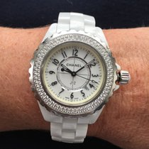 Chanel J12 H0967 lady white with diamond bezel