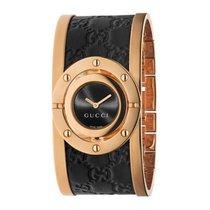 Gucci Twirl Damenuhr breit rosé vergoldet schwarz Leder