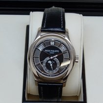 Patek Philippe Pre-Owned Patek Philippe Complications 5205G-01...