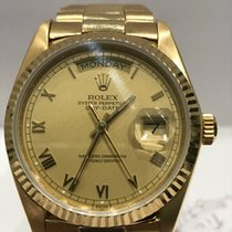 Rolex DAY-DATE 1803 18K Original White Dial with Red Quarter