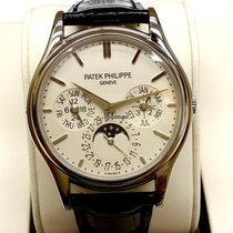 Patek Philippe PP5140G Annual Calendar Moonphase Complications...