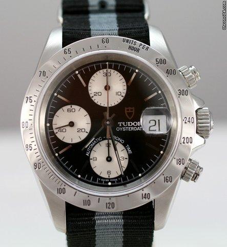 Tudor chronographe black face saphire 79280