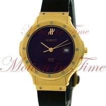 Hublot Classic Fusion MDM, Burgundy Dial - Yellow Gold on Strap