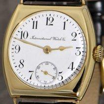 IWC Schaffhausen early wristwatch in 18k gold Carré-Cambré case