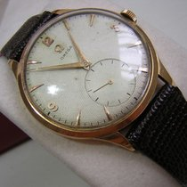 Omega 18 kt solid rose gold oversized wristwatch circa 1950