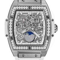 Hublot : Spirit of Big Bang 42mm Titanium White Diamonds...