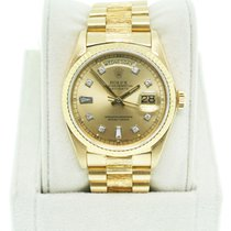 Rolex Day-Date 18K  Gold Single Quickset Champagne Diamond Dial
