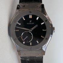 Hublot Classic Fusion 42mm in titanium with black leather...