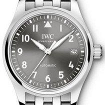 IWC IW324002 Pilots Date mens in Steel - On Steel Bracelet...