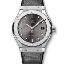 Hublot Classic Fusion 45mm · Racing Grey Titanium 511.NX.7071.LR