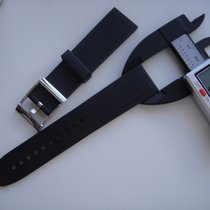 Breitling 22 Mm Rubber Strap Used But In Excellent Shape