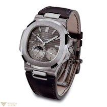 Patek Philippe Nautilus 18K White Gold Men`s Watch