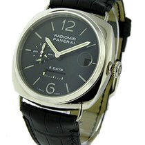 Panerai PAM 200 Radiomir 8 Day GMT in White Gold