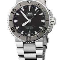 Oris Aquis Date, Grey Dial, Steel Bracelet