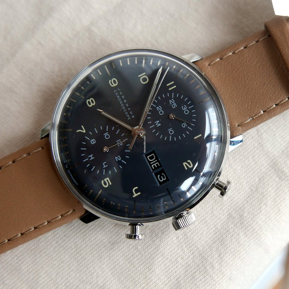 junghans max bill chronoscope for 1 526 for sale from a trusted seller on chrono24. Black Bedroom Furniture Sets. Home Design Ideas