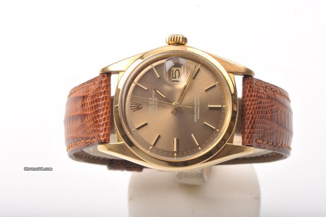 Rolex Datejust in 18 Kt solid gold, Ref. 1600 (box and paper)