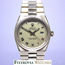 Rolex Solid 18KT Gold Rolex Oysterquartz 19018 President Day Date