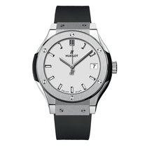 Hublot Classic Fusion 33mm Quartz Titanium Mens Watch Ref...