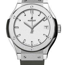 Hublot Classic Fusion 33 MM Quartz Titanium Women's Watch
