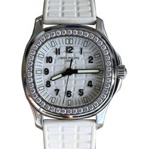 Patek Philippe 5067A-011 Aquanaut Ladies 35.6mm Embossed White...