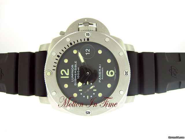 Panerai LUMINOR 1950 SUBMERSIBLE 1000M STEEL ON RUBBER - PAM243