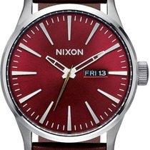 Nixon Sentry Leather A105-2073 Herrenarmbanduhr Design Highlight