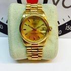Rolex date just oro president 6827/8