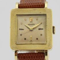 Universal Genève Vintage 18K Gold