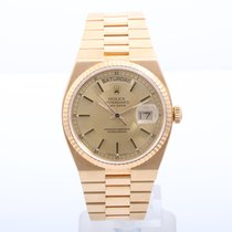 Rolex Mens 18K Oyster Quartz Day-Date - Champagne Dial 19018