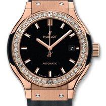 Hublot : Classic Fusion 33mm King Gold Diamonds Watch