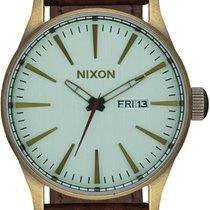 Nixon Sentry Leather A105-2223 Herrenarmbanduhr Design Highlight