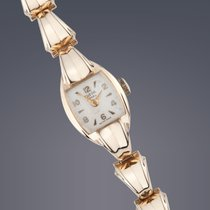 Tudor Vintage  Ladies Royal 9ct gold manual