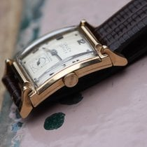 Gruen vintage curvex 14k solid gold with curved movement