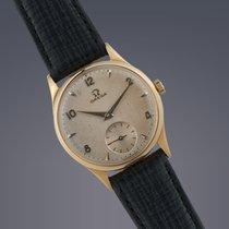 Omega 9ct yellow gold manual watch