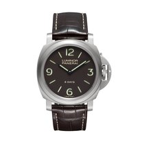 Panerai Luminor Base 8 Days Titanio  Mens Watch PAM00562