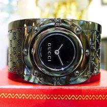 Gucci Twirl Ladies Gg Black Monogram Wide Bangle Bracelet Watch