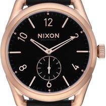Nixon C39 Leather A459-1098 Herrenarmbanduhr Design Highlight