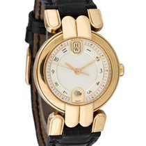 Harry Winston LQ 27 GL Premier 27mm in Yellow Gold - on Black...